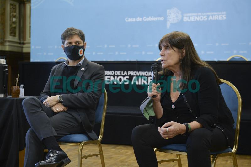 Kicillof y su saludo en el Dia del Periodista 09