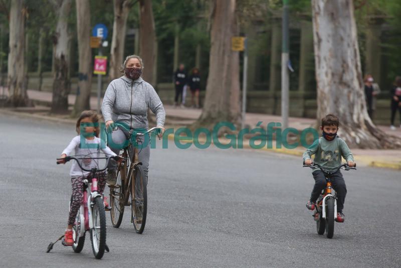 vuelven a peatonalizar el Paseo del Bosque 1