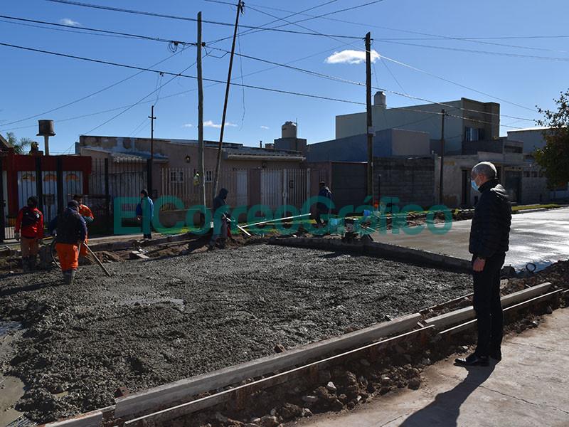 Cagliardi paseo por la obra de asfalto de calle 22 2