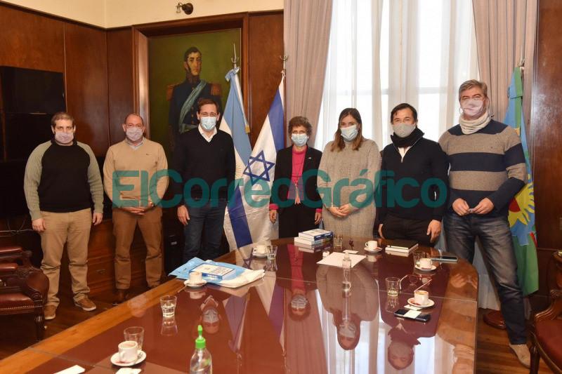 Garro con la Embajadora de Israel acuerdan cooperacion para promover inversiones 4
