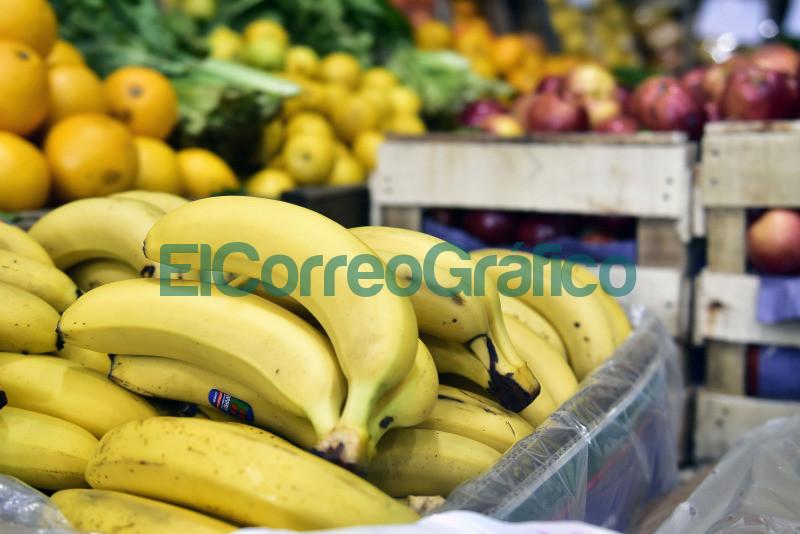 Mercado Central se renueva el acuerdo de precios accesibles para productos de la canasta familiar