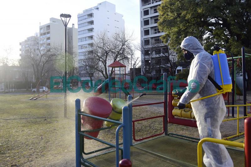 Operativos de limpieza y desinfeccion en espacios publicos 3