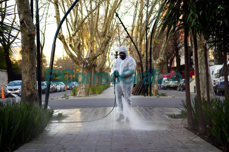 Operativos de limpieza y desinfeccion en espacios publicos 4