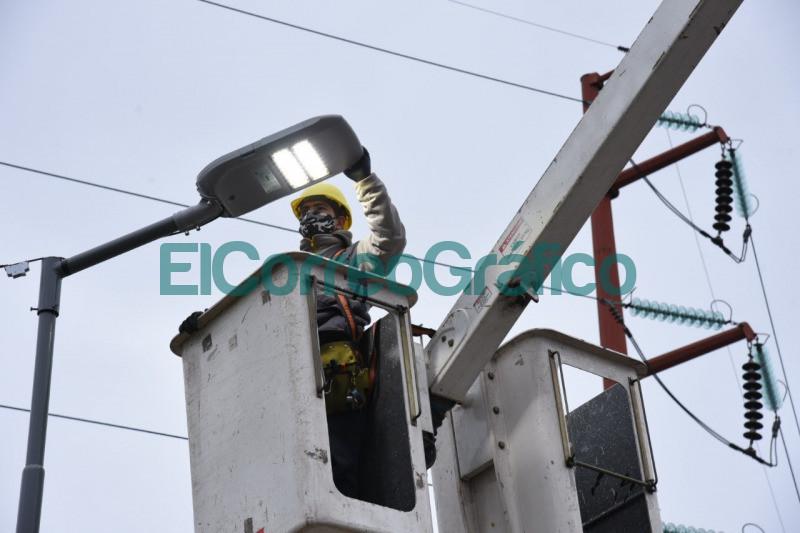 instalacion de nuevas columnas LED en una zona vital de Tolosa 3