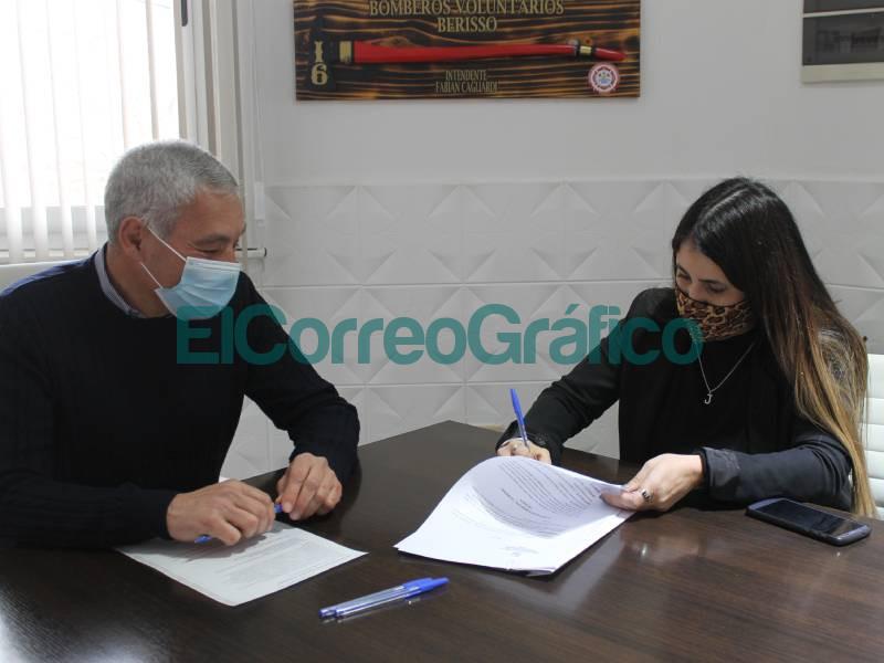 Cagliardi coloco en la direccion de Derechos Humanos a la kirchnerista Mara Gonzalez 1